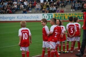 Einlaufkinder Relegationsspiel FC Amberg